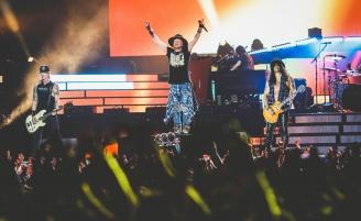(RU) Guns N'Roses с триумфом выступили в Москве