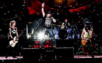 Guns N'Roses прибыли в Москву