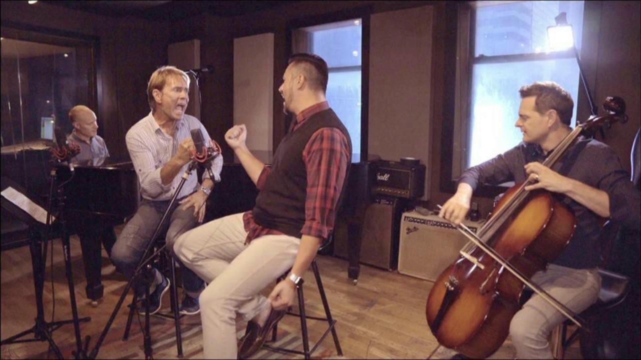 (RU) The Piano Guys спели с Клиффом Ричардом