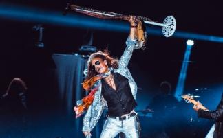 (RU) Aerosmith громко попрощались с российскими фанатами